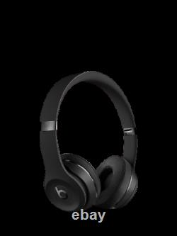 Beats Solo 3 Wireless Bluetooth On-Ear Headphones with Mic/Remote, Black UK