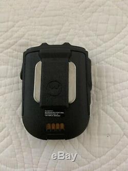 Motorola Pmmn4095a Bluetooth Sans Fil Haut-parleur À Distance Du Microphone Pour Apx De Nice